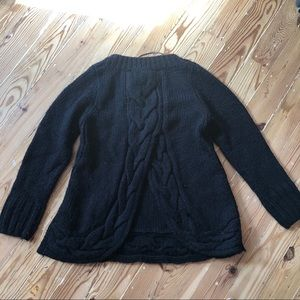 Zara Knit sweater w slit in back and cable design